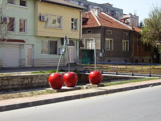 Гигантските череши в Пазарджик, те са ми любими.